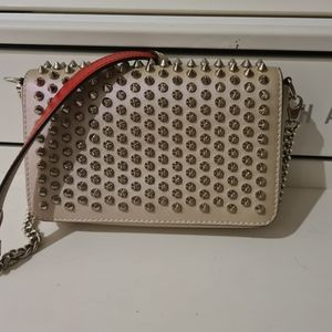 Louboutin zoompouch